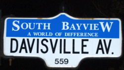 Davisville_Avenue_Sign
